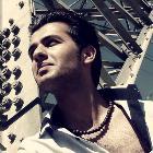 دانلود و پخش آهنگ دلیل از صالح رضایی