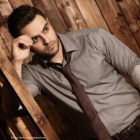 پخش و دانلود آهنگ زیر بارون از حسام حیدری